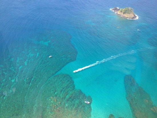 Portobelo, Panamá: Aerial View of Drake Island Dive Site
