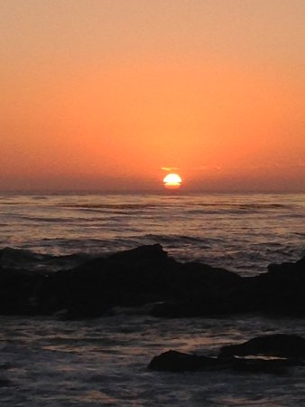 A lovely Cambria beach sunset