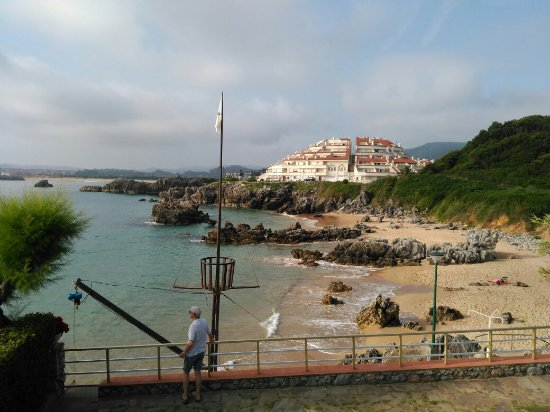 Arnuero, Espanha: Playa de acceso desde el camping!