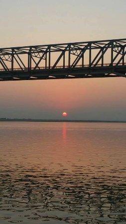 Ayeyarwady River: tramonto sul fiume ayeyarwady
