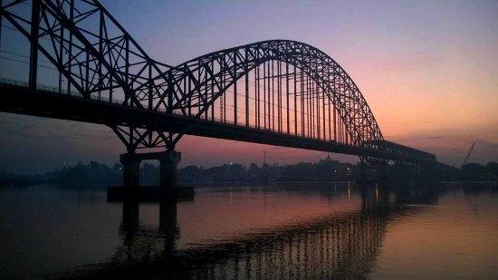 Ayeyarwady River: tramonti sul fiume ayeyarwady