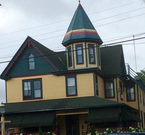 Albert Stevens Inn: photo2.jpg
