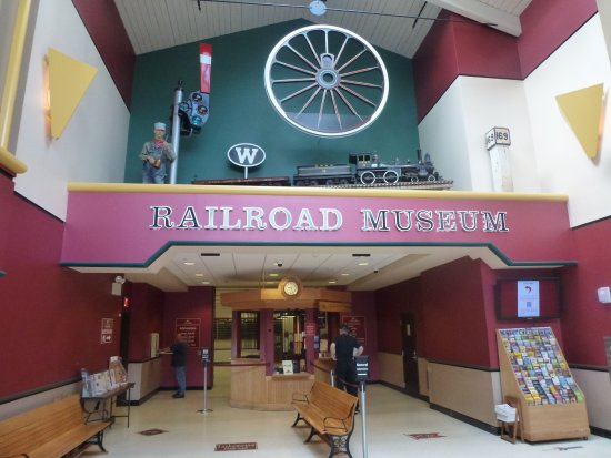 Strasburg, Πενσυλβάνια: Railroad Museum of Pennsylvania entrance.