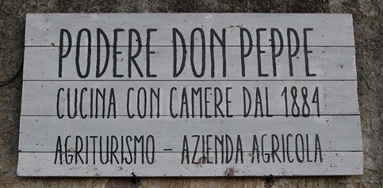 Podere Don Peppe 1884: insegna