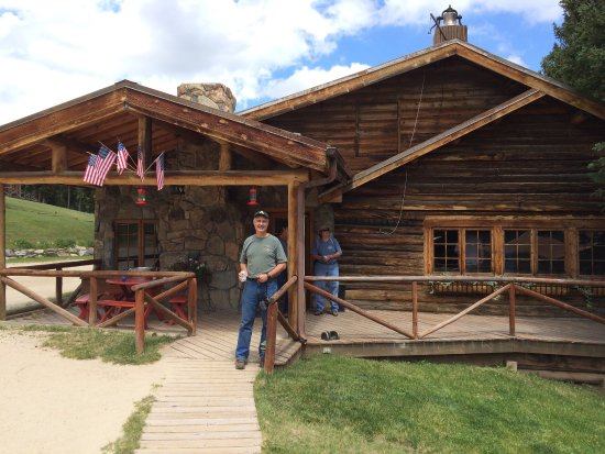Buffalo, WY: Very gracious staff and beautiful location we loved our ride and tasty lunch during Longmire Day