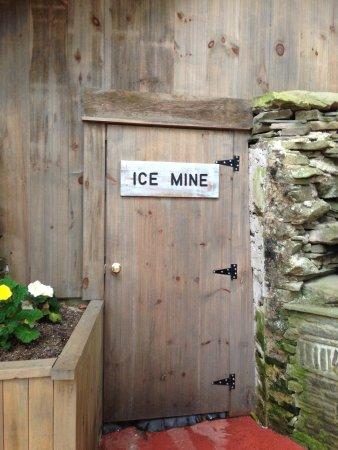 Coudersport, Pensylwania: mine entrance