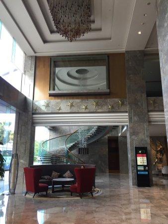 Juntai Hotel: 房間寬敞。