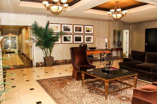 Hotel St. Regis : Lobby Sitting Area
