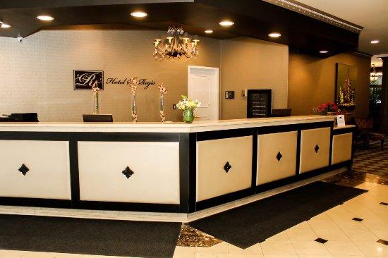 Hotel St. Regis : Front Desk