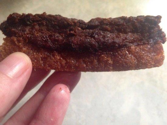 "Hillsborough, Karolina Północna: This is supposed to be ""Shrimp Toast"". Burnt, disgusting."