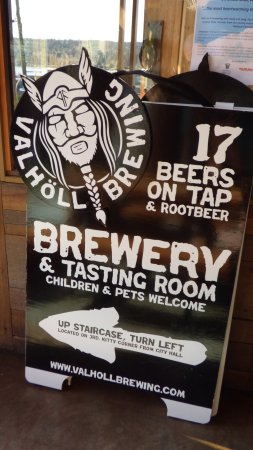 Poulsbo, WA: Valholl Brewing sign