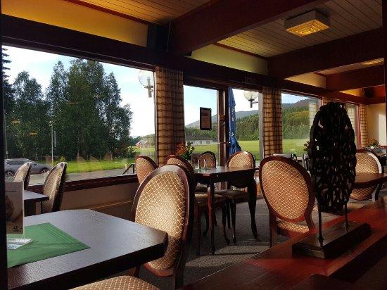 Nes Municipality, Norwegia: Restaurant veikrona in nes i ådal E16