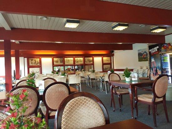 Nes Municipality, Noorwegen: Restaurant veikrona in nes i ådal E16