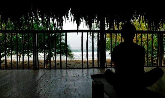 Playa Venao, ปานามา: Yoga face à la mer