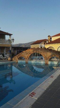 Elpida Hotel: IMG_20160707_070654_large.jpg
