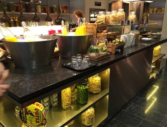 citizenM London Bankside: Open plan kitchen....