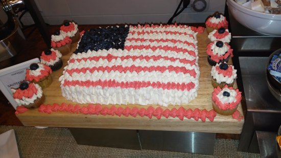 Phenomenal 4Th Of July Birthday Cake For Breakfast Picture Of Four Points Funny Birthday Cards Online Alyptdamsfinfo
