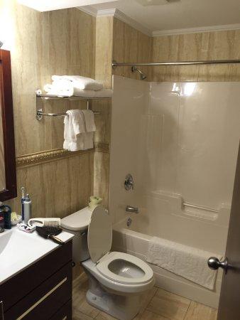 Talbot Trail Inn & Suites: photo1.jpg