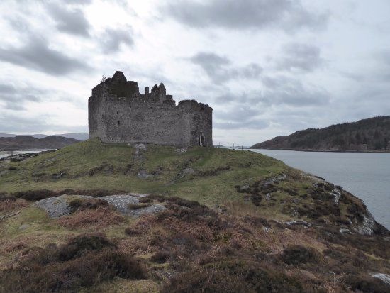 Lochaber, UK : View of castle entrance, where Connor and Duncan MacLeod stood