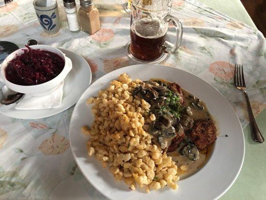 Leipheim, Niemcy: Ich habe noch nie so ein gutes Schweinefilet mit Spezle gegessen.