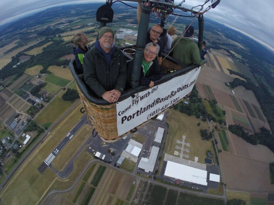 Aurora, OR : They even have a balloon selfie stick :)