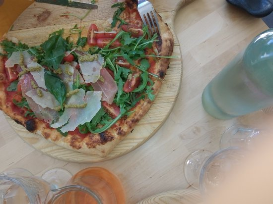 Saint-Cannat, Frankrig: Pizza animale