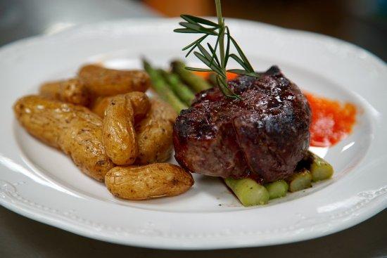 Trumansburg, estado de Nueva York: One of our delicious meals!