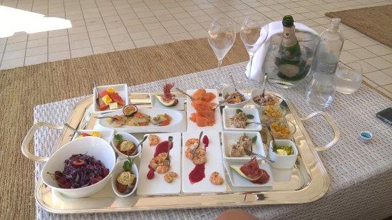 Hotel Belvedere: Bollicine e finger food (qualità super e fantastica preparazione)