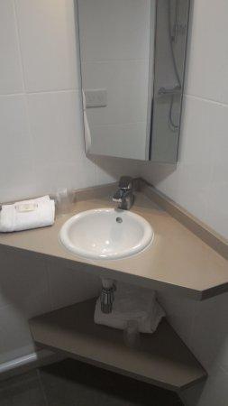 Meyzieu, France : Le coin lavabo