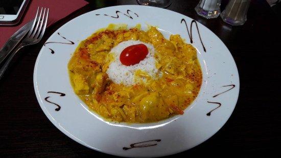 Brie-Comte-Robert, Γαλλία: Poulet coco au curry