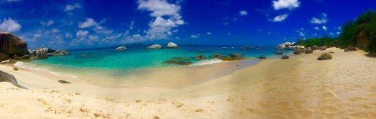 Spanish Town, Virgen Gorda: 5 min beach walk view