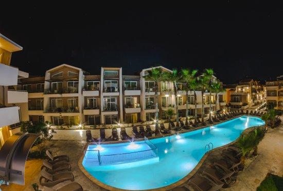 Hotel Marika: VIEW IN THE NIGHT