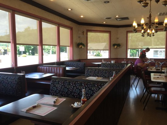 Bedford Landmark Restaurant salad bar, pot pie