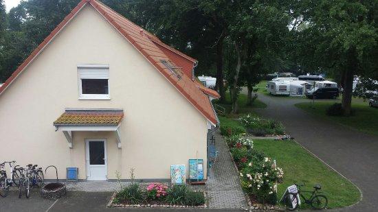 Dranske, Niemcy: Sanitärtrakt und Rezeption