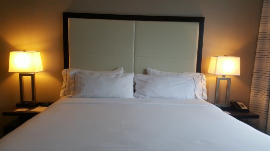 Holiday Inn Express Kelowna: The most comfortable mattress on earth