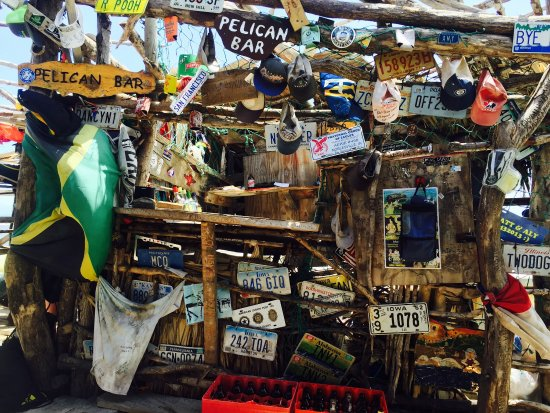 Floyd's Pelican Bar: Had the absolute best time when I was here! The guys are so sweet and chill...smoked a lot and d