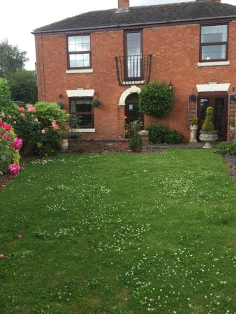 Burbage Guest House: View of house from Garden