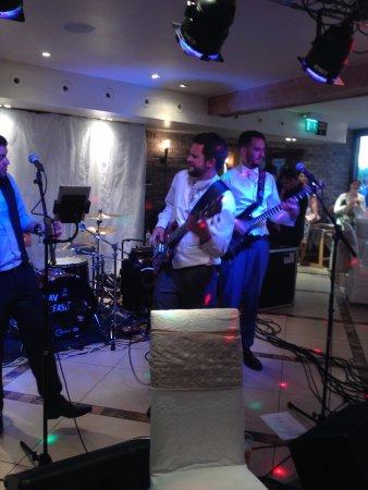 Saint Saviour, UK: Band was playing