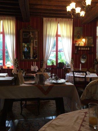 Hesdin, Francia: Inside La Garenne