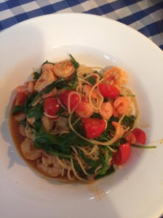 Bonfini: Prawn, tomato and garlic pasta