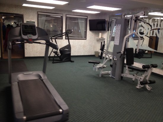 Shilo Inn Suites Hotel - Klamath Falls: Exercise room on ground floor near lobby