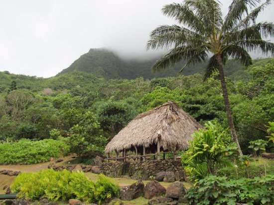 Limahuli Garden and Preserve: Traditional house structure.