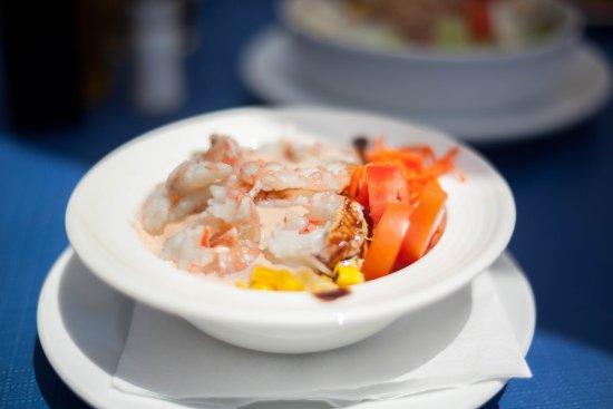 Restaurante Ramos: avacado and prawn salad starter