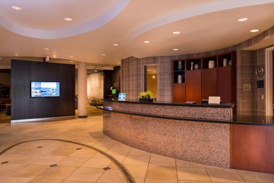 Courtyard Thousand Oaks Ventura County: Front Desk and GoBoard