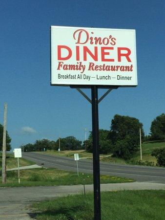 Trenton, MO: Dino's