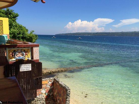 Kaputian Beach, Φιλιππίνες: Nice swimming just by the hotel