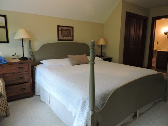 Modena, NY: The Meadow Suite Room
