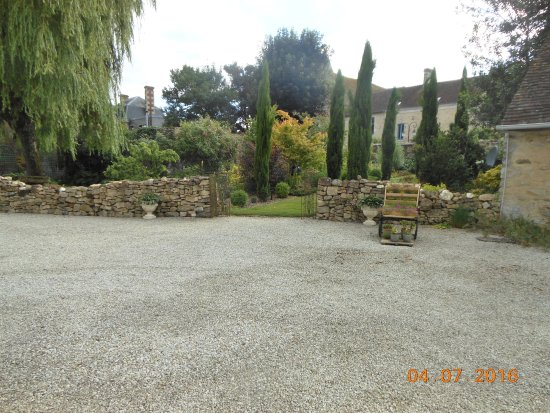 Ancinnes, Francia: Courtyard garden