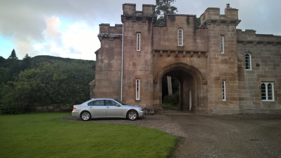 Carradale, UK: The bedroom is over the arch!