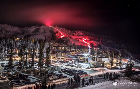 Silver Star, Kanada: The annual torchlight parade on New Year's Eve.